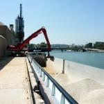 Transport fluvial de granulats avec déchargement à Paris