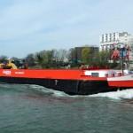 Barge de transport fluvial pour distribution urbaine de matériaux de BTP pour Raboni
