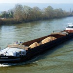 Transport fluvial de céréales sur la Seine