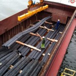 Transporteur fluvial de fers à bétons pour grand chantier